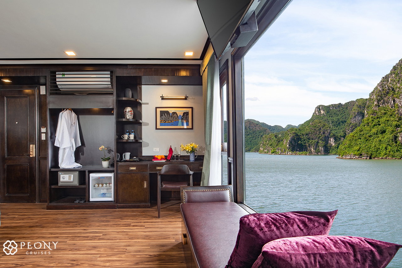 Peony Cruises.Lan Ha.3