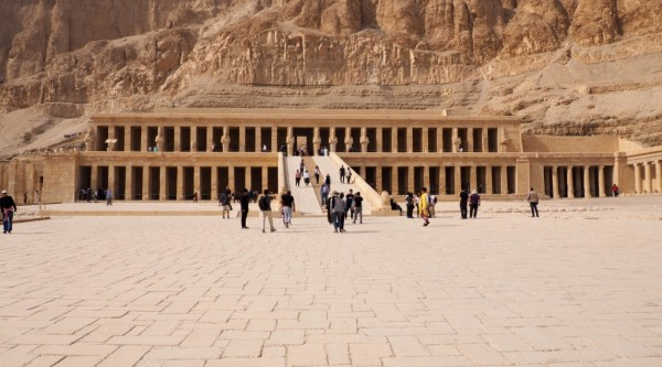 Templo-de-hatshepsutexterior1